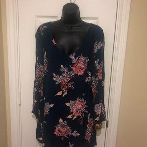 ⭐️NWOT⭐️Pretty Floral Print Mini Dress